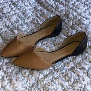 Two Tone Leather Flats! Chinese Laundry